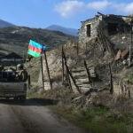 Политолог назвал причины, заставившие Азербайджан остановить войну в Карабахе