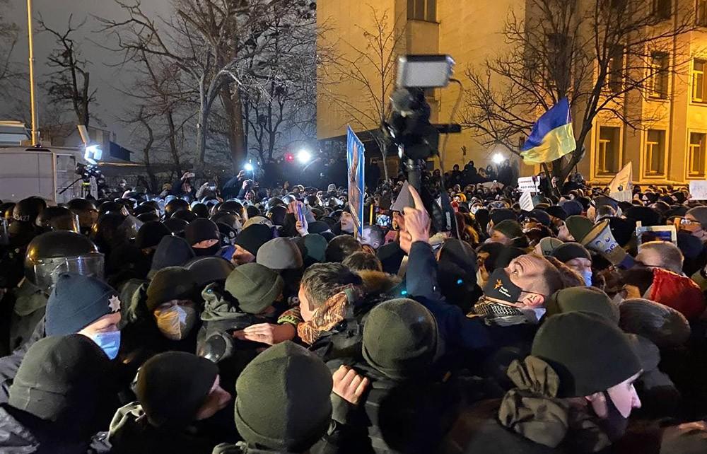 В Киеве 27 представителей органов правопорядка пострадали в ходе столкновений